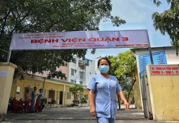 Bệnh viện dã chiến Quận 3 mua giường bệnh nhân