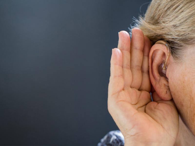 Bệnh cho người già: Mất thính lực