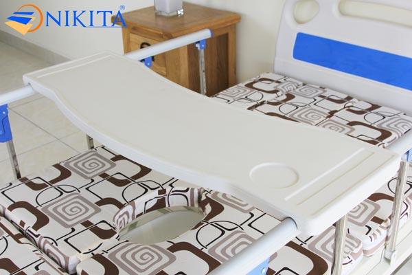 Bàn ăn nhựa tháo rời hỗ trợ giường bệnh Nikita